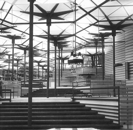 Juan Antonio Corrales and Ramón Vázquez Molezún. Pabellón de España en la Exposición Universal de Bruselas, 1958