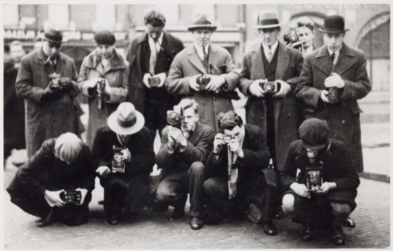 Un grupo de fotógrafos obreros de Amsterdam. Amsterdam City Archives