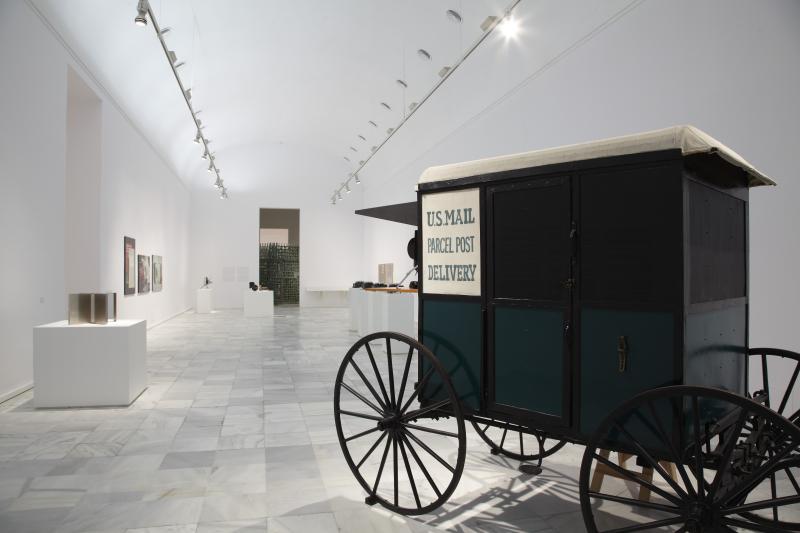 Vista de sala de la exposición. Locus Solus. Impresiones de Raymond Roussel, 2011