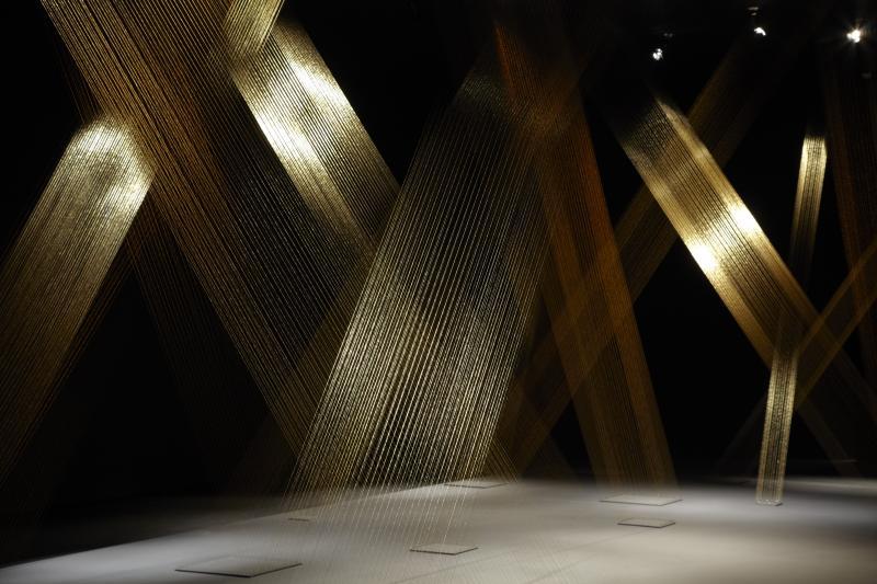 Vista de sala de la exposición. Lygia Pape. Espacio imantado, 2011