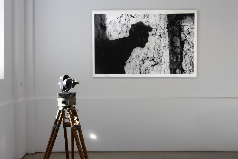 Vista de sala de la exposición. Desbordamiento de Val del Omar, 2011