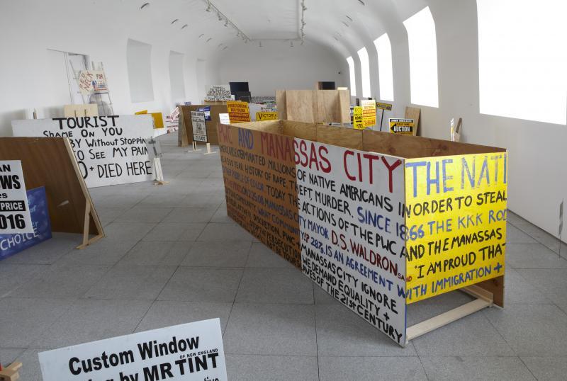 Vista de sala de la exposición. Sharon Hayes. Habla, 2012