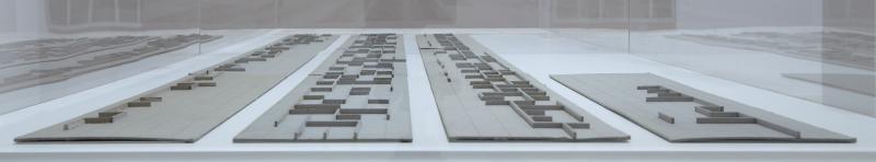 Vista de sala de la exposición. Elena Asins. Fragmentos de la memoria, 2011