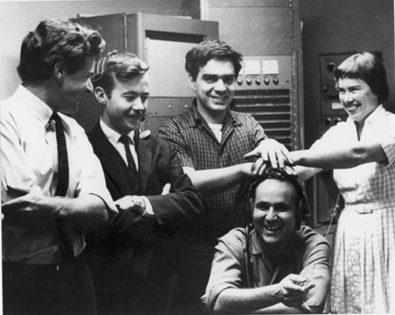 Group photo. San Francisco Tape Music Center. From left to right: Tony Martin, William Maginnis, Ramón Sender, Morton Subotnick and Pauline Oliveros