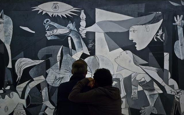 Mario Giambattista. Guernica, 2011 © Sucesión Pablo Picasso, VEGAP
