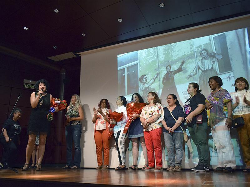 Saludo a las fiestas de Lavapiés en el Museo Reina Sofía, 2019. Fotografía: Ela Rabasco (Ela R que R)