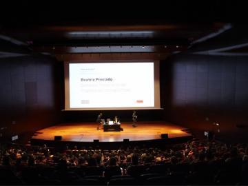 Beatriz Preciado. Somateca. Presentación del Programa de Prácticas Críticas, 12 de abril de 2012, Edificio Nouvel, Auditorio 400