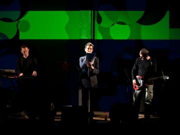 Décade - Anne-James Chaton, Alva Noto y Andy Moor Foto Remi Goulet