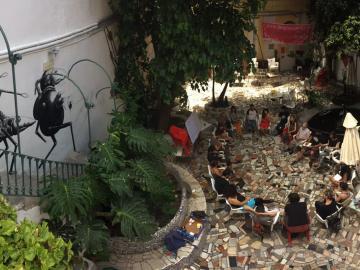 Kike España. Asamblea en el patio de la invisible.  2017